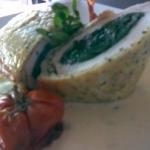 Suprema en croute con puré de coliflor y salsa de roquefort