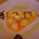 Patatas francesas con salsa de queso azul y camita de salmón
