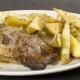 Carne al horno con papas al romero